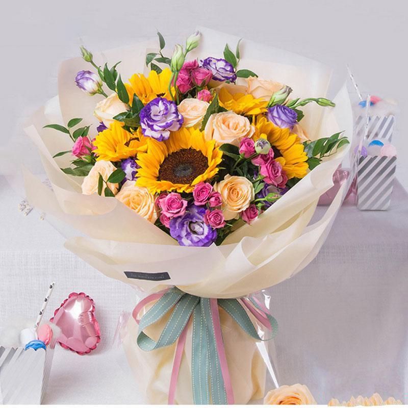 温暖晨曦_11枝香槟玫瑰,5枝向日葵,桔梗搭配,多头粉玫瑰
