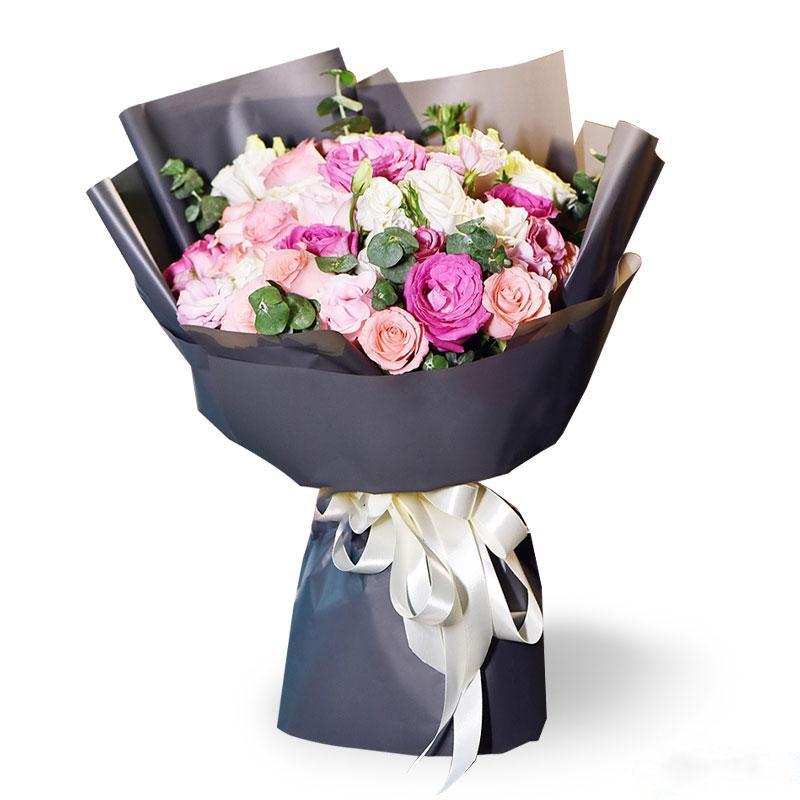 恋爱物语_33枝高端混搭玫瑰,尤加利叶搭配