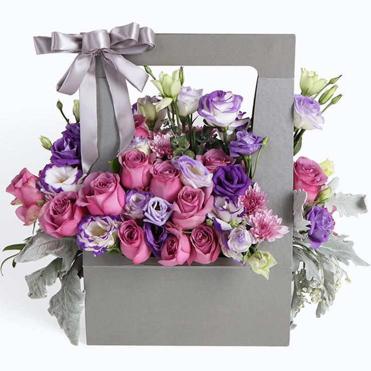 温柔时光_紫玫瑰19枝、紫色桔梗6枝、搭配适量紫色雏菊、银叶菊、绿叶
