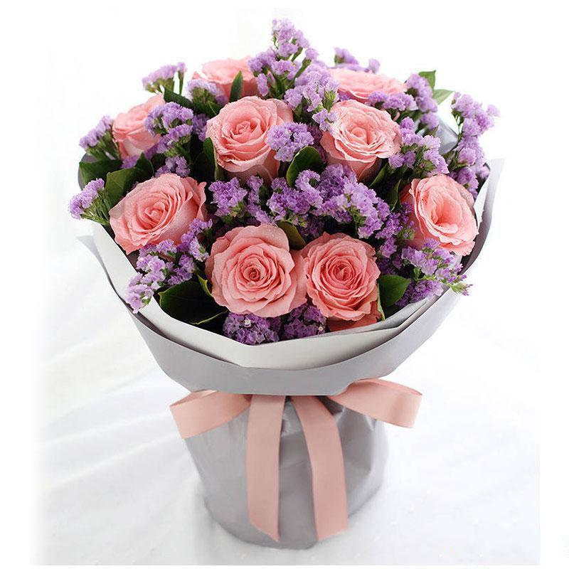 浓情深意_黛安娜玫瑰9枝,浅紫色勿忘我栀子叶搭配