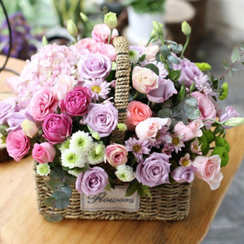 爱的时光_各色玫瑰33枝 粉绣球 白色桔梗 尤加利叶 白色小雏菊