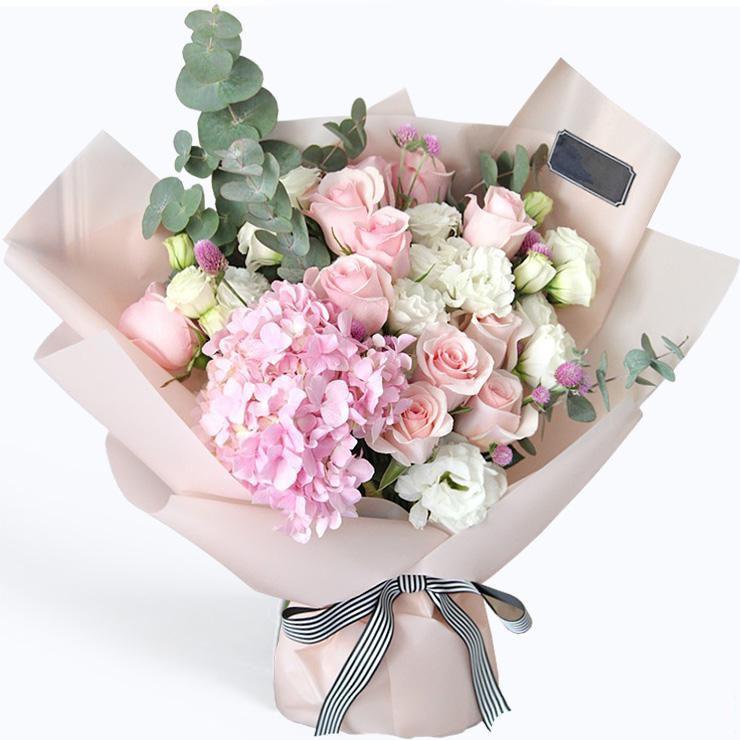 爱意浓_11枝粉玫瑰,一枝粉绣球,洋桔梗尤加利叶搭配