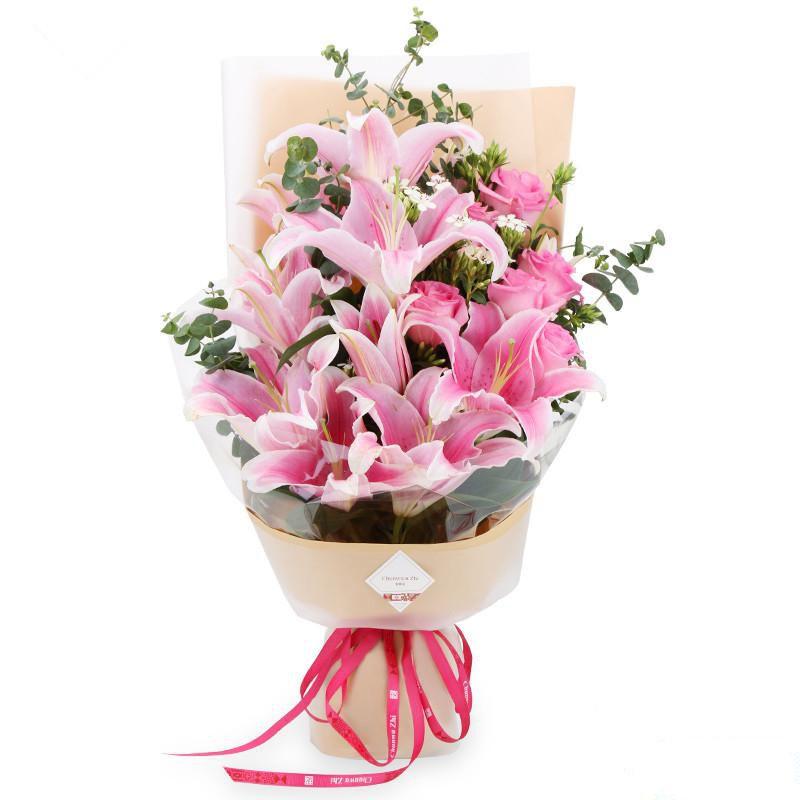 温柔浅笑_6枝精品粉玫瑰、4枝多头粉百合,搭配适量白色相思梅、尤加利