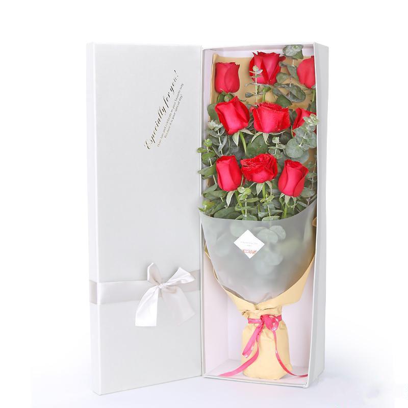 甜蜜约会_9枝精品红玫瑰,搭配适量尤加利