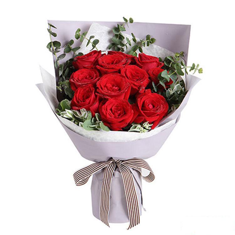 深情密码_红玫瑰11枝,适量尤加利,叶上花搭配