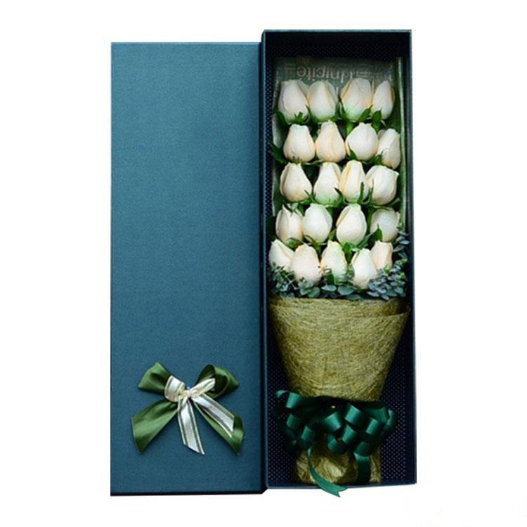 亲密无间_19枝香槟玫瑰高级礼盒,尤加利点缀搭配