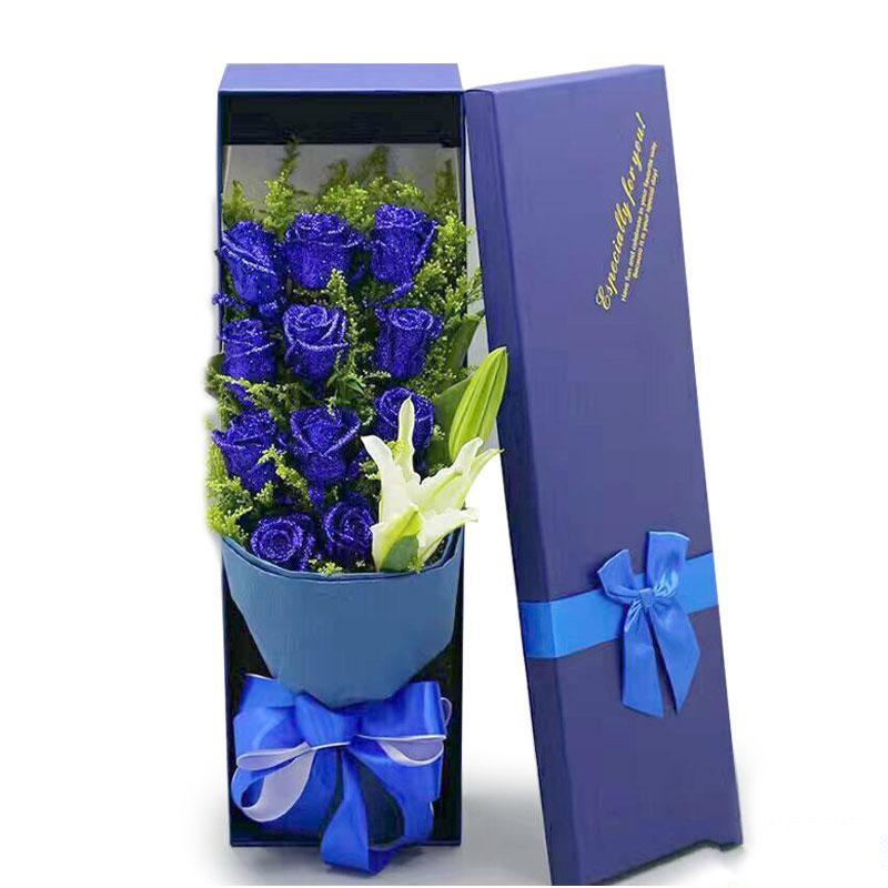 蓝色梦幻_11枝蓝色妖姬,1枝白色多头百合,情人草、黄莺搭配