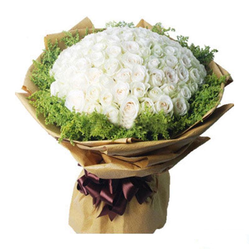 爱之守护_99枝精品白玫瑰花束,黄英搭配