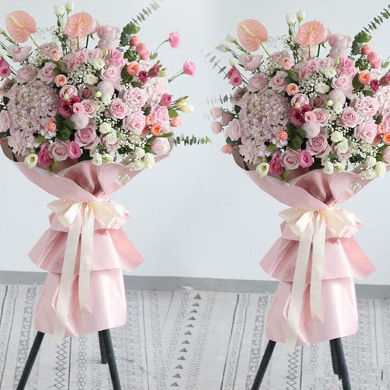 万商云集_19枝粉佳人、2枝粉色绣球、3枝粉色乒乓菊、粉色和白色桔梗、白色满天星、2枝粉掌、尤加利