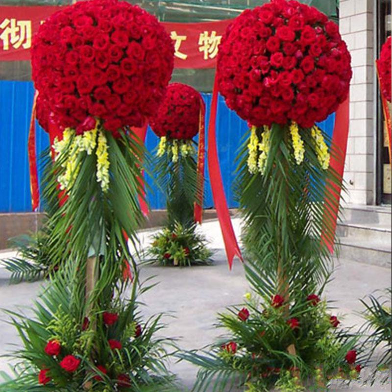 四通八达_精品红玫瑰,配散尾葵,8枝龙口,黄英适量(请至少提前1天预定,或订购前咨询客服)