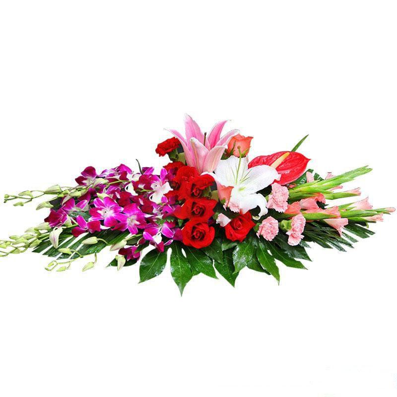 万花簇锦_9枝红玫瑰,2枝百合,6枝粉康乃馨,1枝红掌,搭配洋兰、金鱼草、散尾葵叶、绿叶