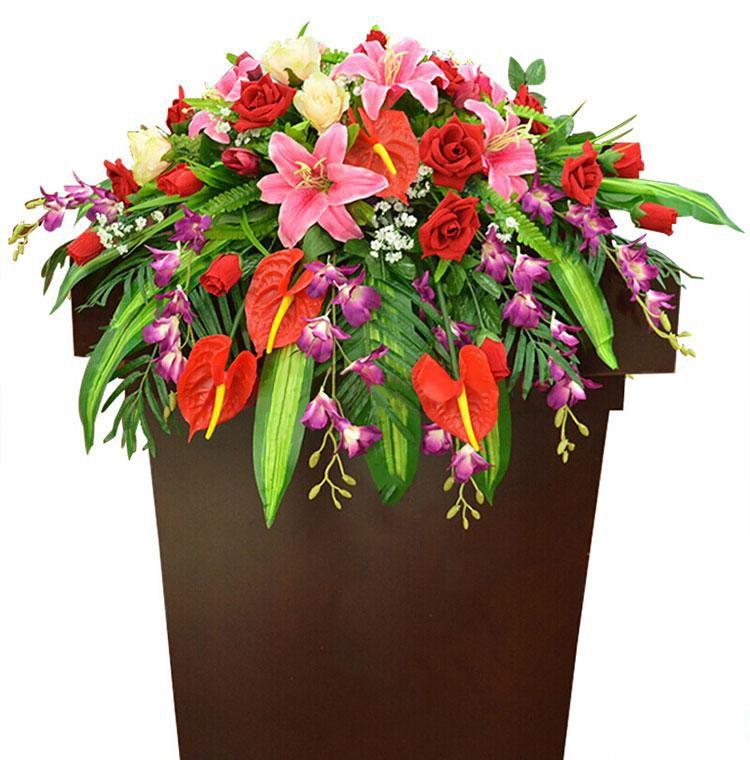 高朋满座_红玫瑰,香槟玫瑰,粉百合,红掌,杨兰,栀子叶散尾葵,巴西叶