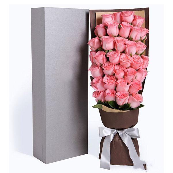 爱的告白_33枝戴安娜玫瑰,少量绿叶搭配